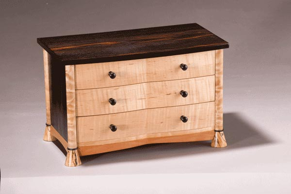 J's box: Macassar ebony, curly maple, quilted maple, splated maple. 13″l x 8″d x 9″h